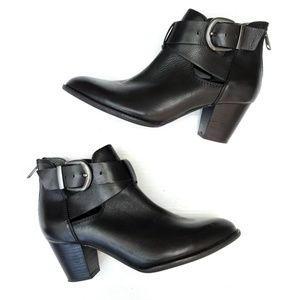 VIONIC Black Leather Buckle Booties